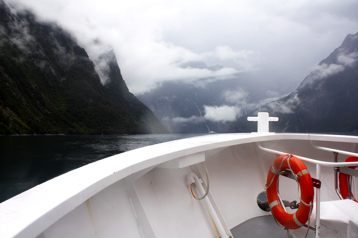 Milford Sound, Southern Discoveries