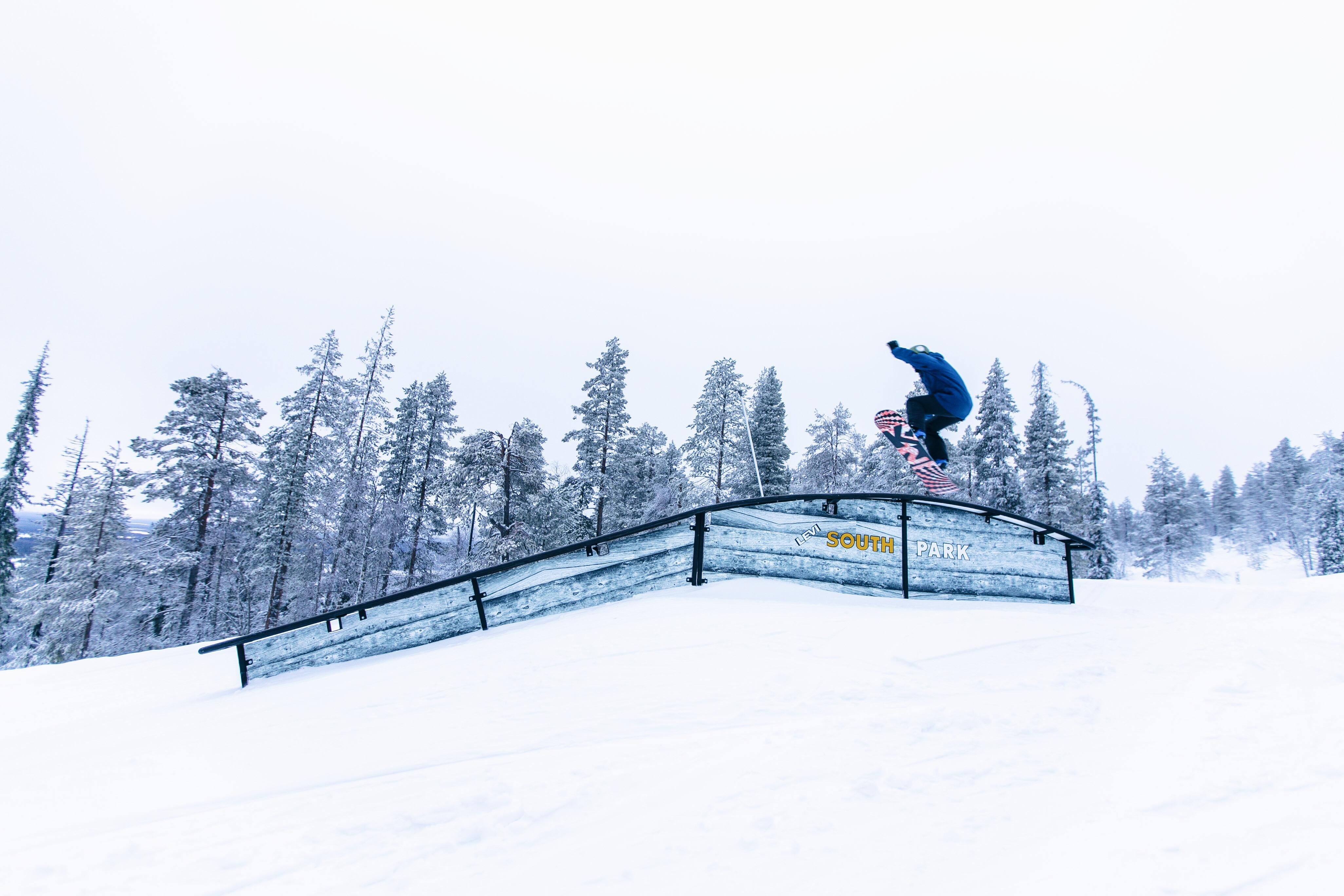 Levi, Lappland, Finnland, Snowboarden, Skifahren